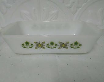 Anocher Hocking 441 fire king White Casserol/loaf pan green flowers  1  Qt.