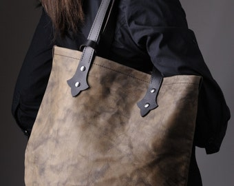 Vintage boho chic light weight genuine vegetable tanned leather tote bag. Light brown color. Free shipping.