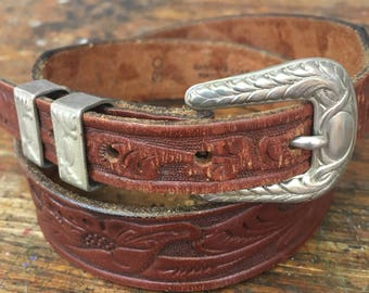 Vintage 70s Chambers Hand Finished Brown Leather Western Belt / Hand Tooled Flowers / Silver Metal Buckle / Size Small to Medium