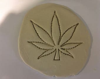 Canabis cookie cutter (25)