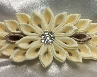 An Ivory and Champagne Kanzashi Style French Barrette
