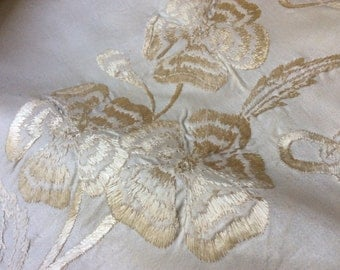 1930' Silk Hand Embroidered Round Table Cloth Chinese Poppies Ecru Silk Embroidery Tone On Tone Cream Embroidery Scalopped Edge Small Table