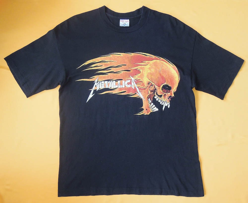 Metallica t shirt pushead design flamming skull copyright 1994 for How to copyright t shirt designs
