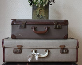 Vintage Hard-bodied Wartime Weekend Case with Burgundy Piping