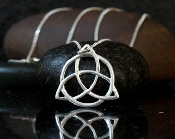 Celtic Trinity Knot necklace, silver trinity knot necklace, holy trinity pendant, sterling silver, triquetra pendant, celtic knot necklace