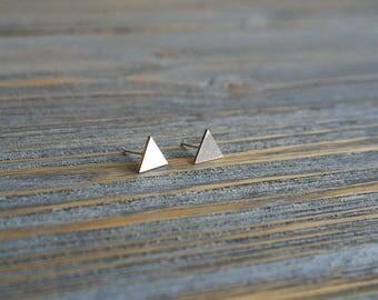 Silver Triangle Stud Earrings, Geometric Triangle Post Earrings, Geometric Minimalist Earrings, Small Triangle Earrings, Modern Scandinavian