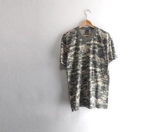 DIGITAL CAMO SHIRT // 90s // Large // Camo T-Shirt // Digital Camo // Camo T-Shirt // Camouflage Shirt // Camouflage T-Shirt / Camo Shirt