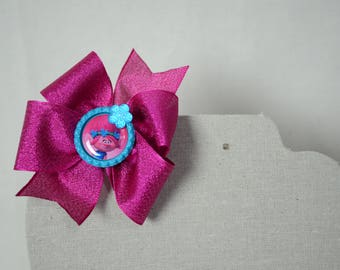 Trolls Poppy Sparkly Pink Basic Pinwheel Hair Bow With Bottle Cap Image