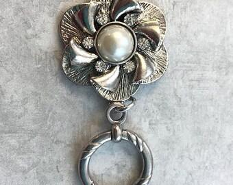 Silver Pearl Flower Magnetic ID Badge Holder, Sparkly Flower Eyeglass Holder, Magnetic Brooch,  Reading Glasses Holder