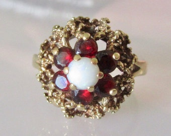9ct Gold Garnet and Opal Cluster Ring