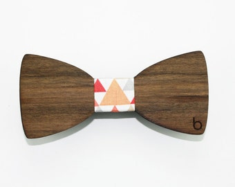 Wooden bow tie with Tigaya fabric
