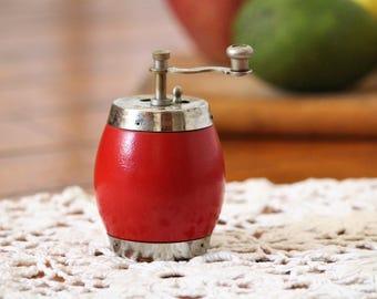 Pepper Mill - Vintage Pepper Grinder - Wooden Pepper Mill - Small Pepper Mill - Retro Kitchen Decor - Wood Pepper Mill - Vintage Mill