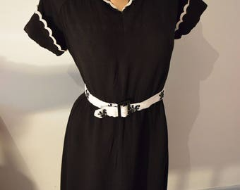 LBD dress vintage 1940 L collar chic Chanel Style / / Vintage black dress french UK 12 US 10 french Chanel style