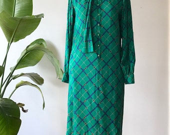 Vintage green patterned dress