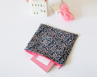 Clutch, Pouch , zipped pouch, bag organizer ,floral pouch , makeup pouch , cosmetic bag , for her , gift for her, travel pouch