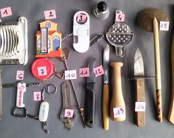 Kitchen utensils, old, french, good state Cup-tomatoes, advertising knives, garlic press, tongs of wood, knives, 3 to 10 euros