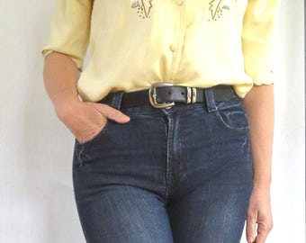 blouse vintage pastel yellow scalloped embroidered french creator S/M/L made in France