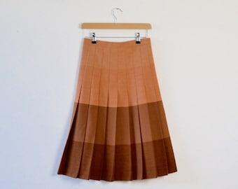 Vintage Box Pleat Skirt  |  Vintage Midi Preppy Skirt  | Vintage Midi Skirt  |  Vintage Pleated Skirt