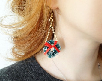 mini christmas wreath earrings, party earrings, holiday earrings, tacky christmas, festive earrings, christmas costume jewelry, green & red