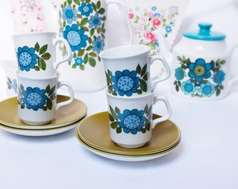 "Four stunning English J+G  Meakin ""Topic"" coffee cups and saucers . Mid century mod flowers, from the 1960s."