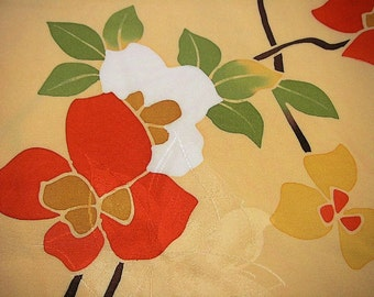 264: vintage japanese kimono silk haori short coat red white yellow cream green flower camellia