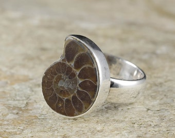 Size 7.25 AMMONITE FOSSIL Ring - Sterling Silver Ring, Ammonite Jewelry, Ammonite Ring, Fossil Jewelry, Shell Ring, Ammonite Cabochon J407