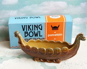 Vintage 1960s Wade Porcelain Viking Boat Bowl Made in England - in original box - Novelty Kitsch Posy Vase in shape of a Ship