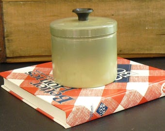 Vintage Olive Green Aluminum Grease Can with Removable Strainer, Stove Top Grease Jar, Countertop Grease Can Catcher Saver, Kitchen Canister