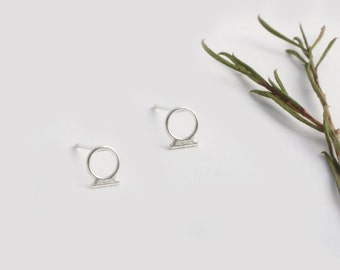 Silver Circle Earrings, Tiny Round Earrings, Minimalist Silver Earrings, Simple Circle Earrings, Circle Stud Earrings, Circle Post Earrings