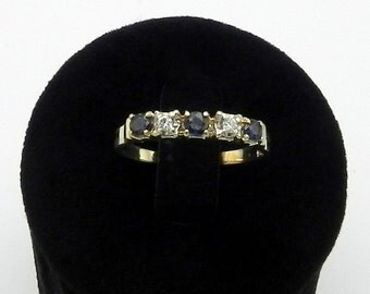 Gold Diamond Sapphire Ring Ring in gold Sapphire diamond