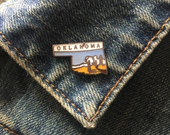 Vintage Oklahoma enamel lapel pin (# t37)