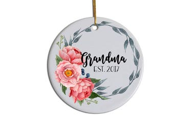 Grandma Ornament, Custom Ornament, Christmas Ornament, Gift for Grandma , Christmas Gift for Grandma , New Grandma Ornament