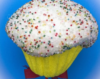 Oversized Cupcake Props
