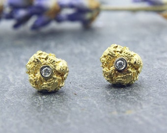 Earrings gold 750 / - with brilliant, wrinkled ball