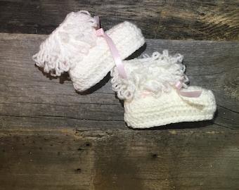 Baby Booties, Crochet Baby Booties, Baby Ankle Boots, Crochet Booties, Baby Shoes, white shoes, pink
