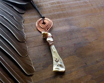 Crescent Moon trail - bohemian witchy bone necklace