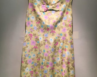 Sleeveless Summer Shift, Vintage 1950's floral cotton, perfect for the upcoming season!