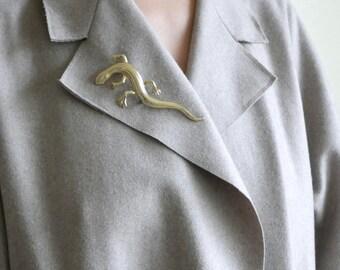 golden lizard pin / gecko pin