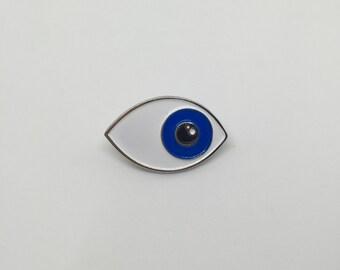 Eye lapel / enamel pin