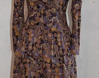 Pretty paisley Vintage dress size 8