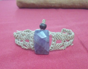 Bracelet in macrame with ametyst