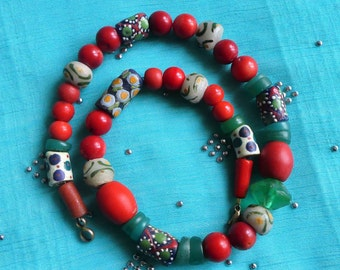 African Trade Beads, Ethno Jewelery, Eyebeads Krobo Pearls, red Coral