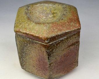 Polygon storage pot