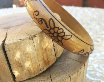 70s Carved Wooden Bangle Bracelet