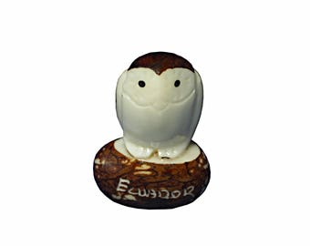 Handmade Tagua Owl, Owls in tagua