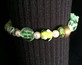 Beaded Bracelet Green Etched Glass and Pearl