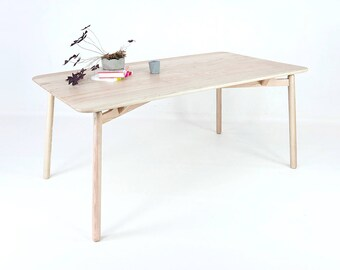 "Table ""Mary"""