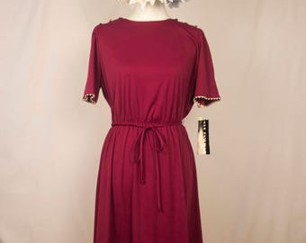Vintage 70s Deadstock Marroon Fit and Flare Short Sleeved Dress w/ Zigzag Ribbon Detail