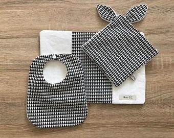 Black and white triangle birth Kit