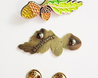 plant enamel pin - ACORN PIN - acorn enamel pin, leaf pin, lapel pin flower, woodland jewelry, acorn jewelry, brooch pin, acorn button pins
